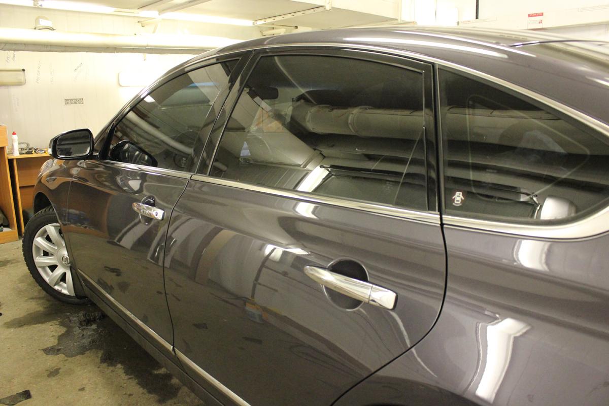 Тонировка стекол автомобиля фото