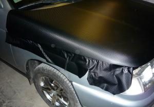 Карбоновая пленка на автомобиль