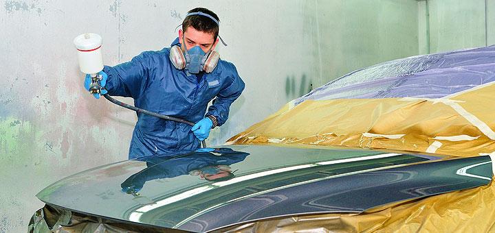 Покрытие автомобиля лаком