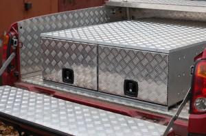 Ящик в кузов пикапа