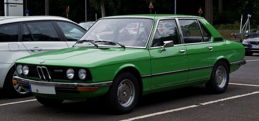 Первый автомобиль пятой серии с кузовом е12
