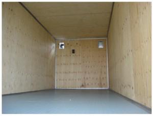 Фанера – лучший материал для обшивки грузовика
