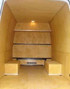 Грамотная отделка фургона: обшивка из фанеры